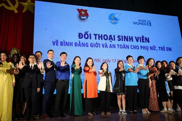 Students talk gender equality at Hanoi dialogue hinh anh 1