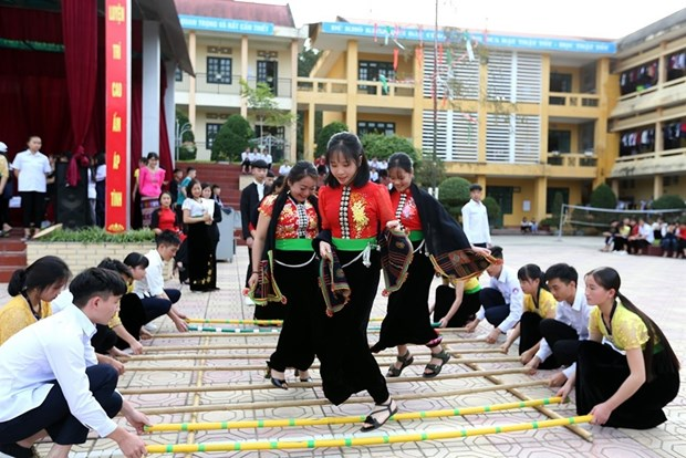 Parents should not force children to take too many classes hinh anh 1