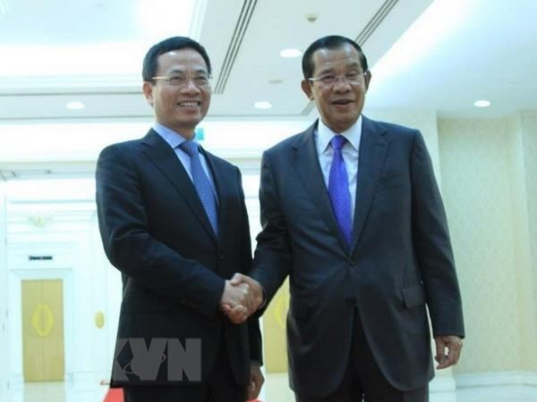 Cambodian PM welcomes Vietnamese information minister hinh anh 1