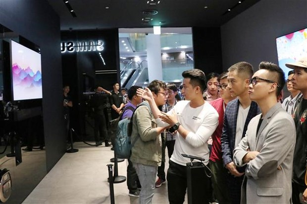 Samsung launches modern technology experience space in Vietnam hinh anh 1