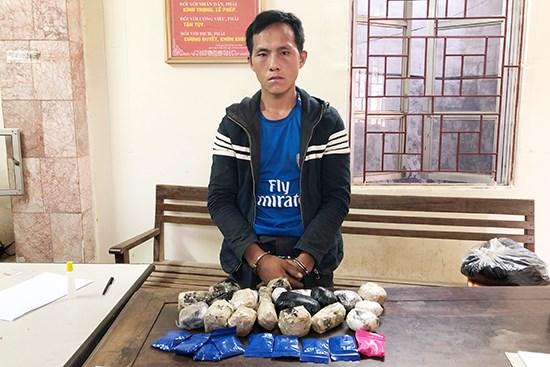 Drug smuggler arrested in northern border province of Son La hinh anh 1