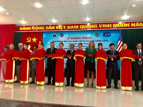 Public health emergency operation centre inaugurated in central region hinh anh 1