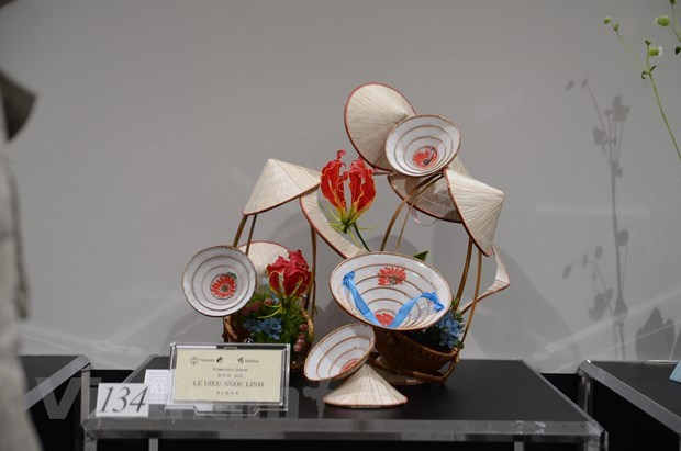 Vietnam attends Ikebana exhibition in Japan for first time hinh anh 1