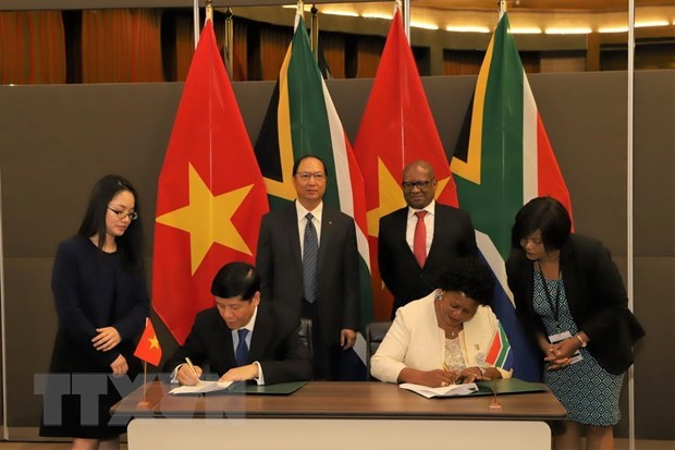 Vietnam, South Africa agree to boost comprehensive cooperation hinh anh 1