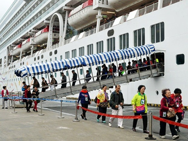 Full steam ahead for cruise tourism sector hinh anh 1