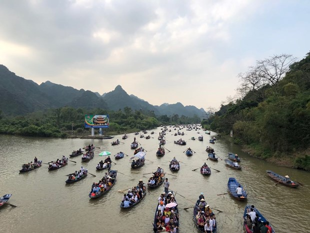 Huong Pagoda welcomes over 1 million visitors hinh anh 1