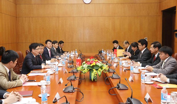 Vietnam, Laos share know-how in building economic development policies hinh anh 1
