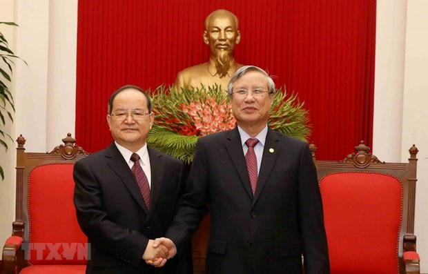 Party official receives Chinese guest hinh anh 1