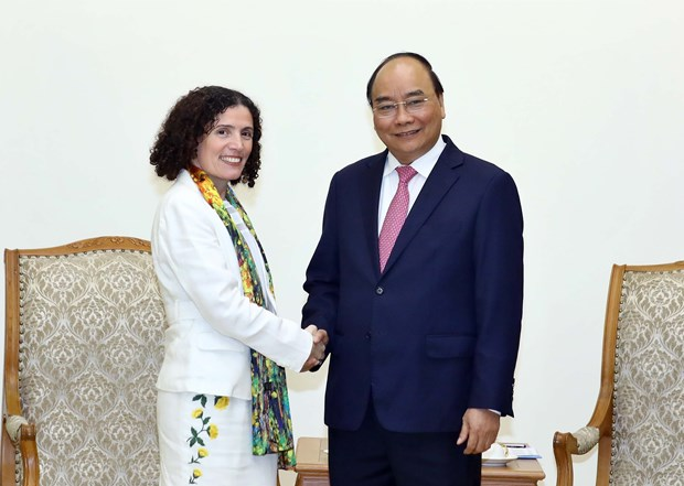 PM hosts Bulgarian, Uruguayan ambassadors hinh anh 2