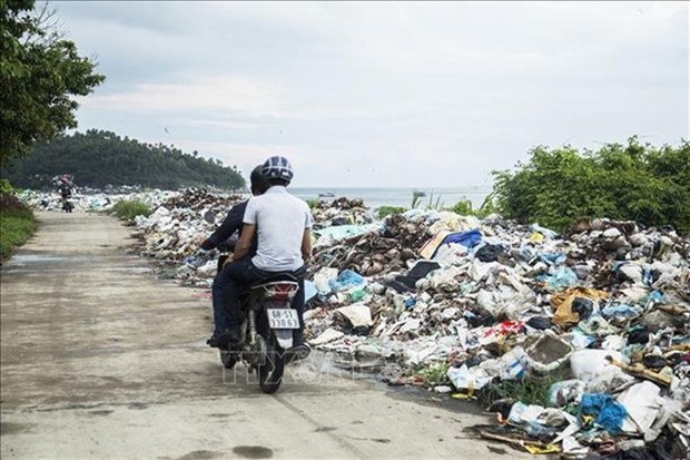 Waste in rural areas is a growing problem hinh anh 1