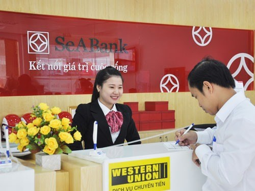 Banks struggle to lure long-term capital hinh anh 1