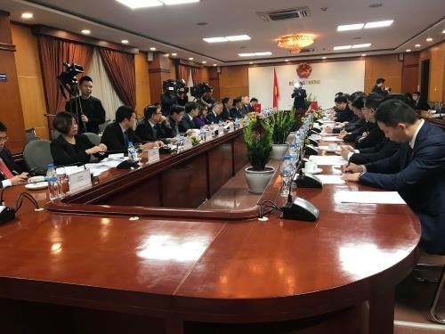 Industry, trade minister meets party chief of Guangxi's Zhuang autonomous region hinh anh 1