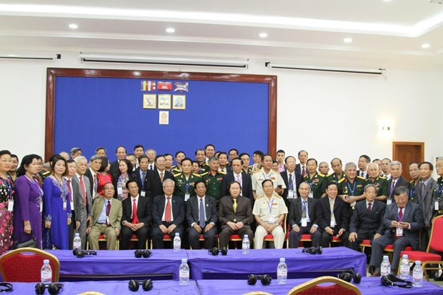 Ex-Vietnamese voluntary soldiers visit Cambodia hinh anh 1