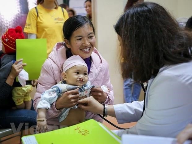 RoK doctors offer free cleft palate surgery for Vietnamese children hinh anh 1