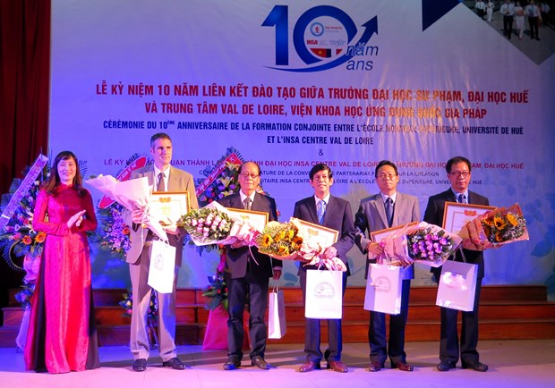 Vietnamese, French sci-establishments cooperate in HR training hinh anh 1