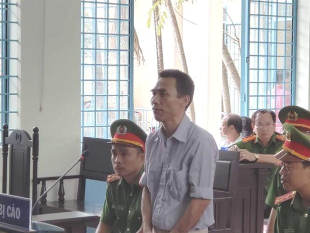 Facebook user gets two years in jail for defaming Party, State hinh anh 1