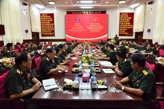 High-ranking delegation of Lao army visit Military Zone 9 hinh anh 1