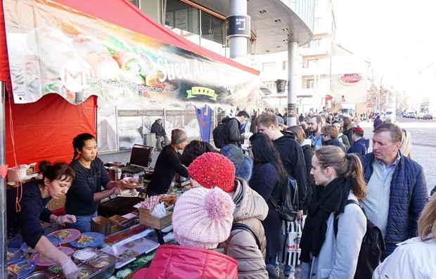 Vietnamese cuisine promoted in Czech Republic hinh anh 1