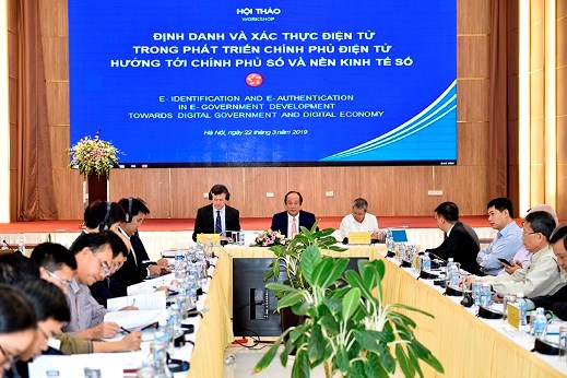 Vietnam learns international experience in building e-government hinh anh 1