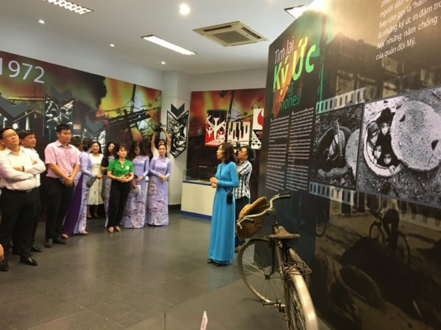 Exhibition on memories of war opens in HCM City hinh anh 1