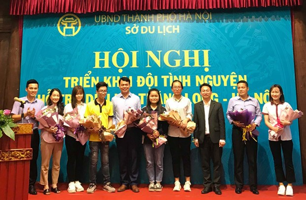 Hanoi students promote local tourist attractions hinh anh 1