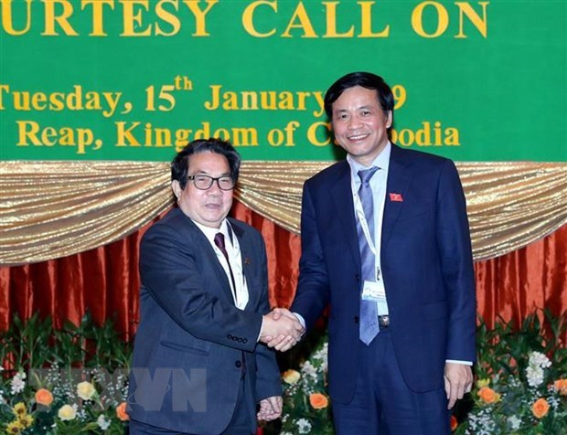 Vietnamese, Cambodian legislators share experience hinh anh 1