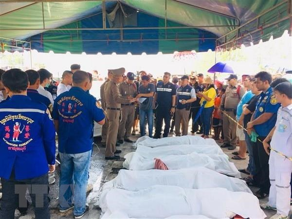 Ministry asks for verifying identity of victims in Thai road crash hinh anh 1