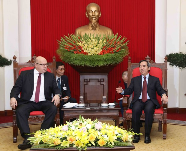 Vietnam attaches importance to ties with Germany: Party official hinh anh 1
