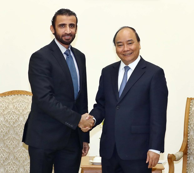 PM calls on UAE firm to expand investment in Vietnam hinh anh 1