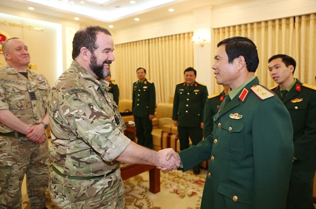 Vietnam, UK to reinforce ties in military medicine hinh anh 1