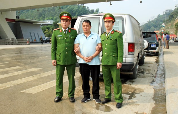 China, Vietnam cooperate in arresting wanted criminals hinh anh 2