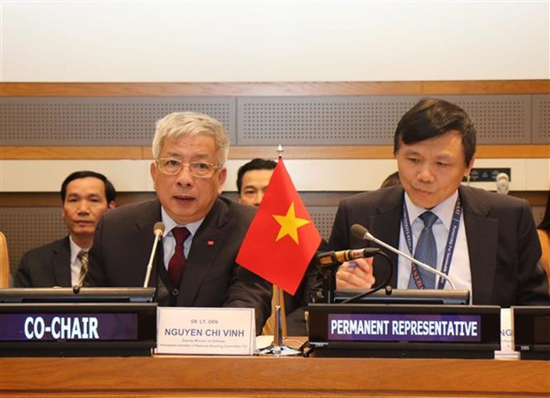 Vietnam calls for more int'l support in war consequence settlement hinh anh 1