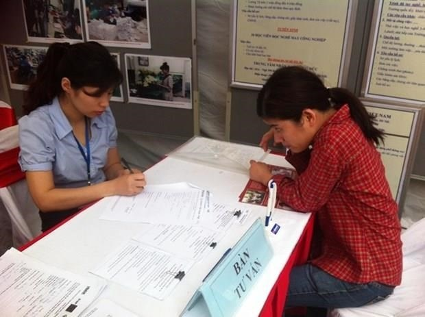 Vietnam ratifies ILO convention on employment for disabled workers hinh anh 1