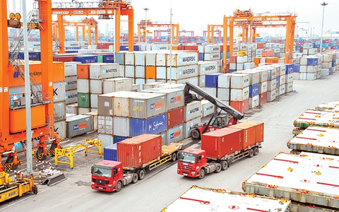 Vietnam's trade turnover reaches 100 billion USD hinh anh 1