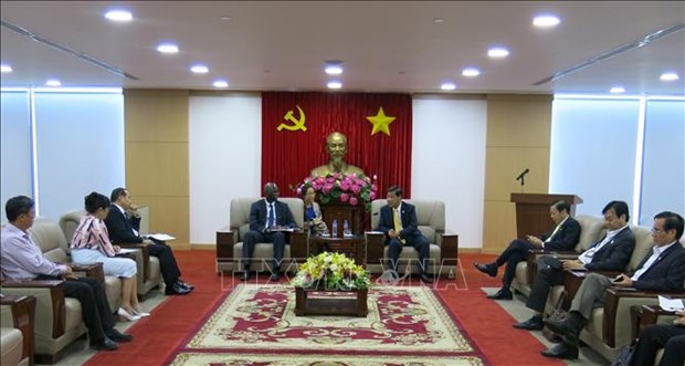 WB, Binh Duong discuss infrastructure cooperation hinh anh 1