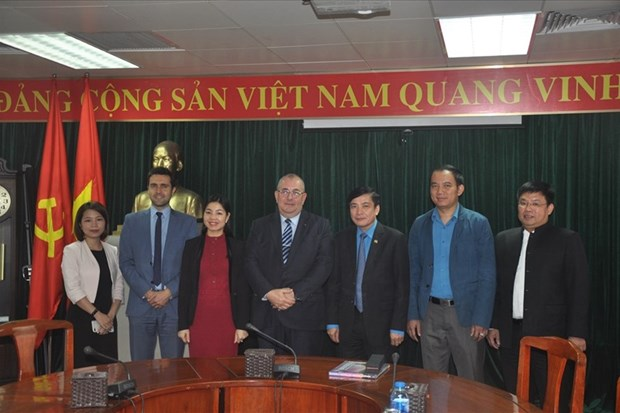 Trade union leader wishes for further ties with Belgium hinh anh 1