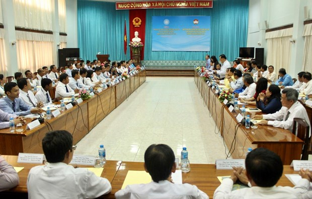 Vietnamese, Cambodian localities join hands in building peaceful border hinh anh 1