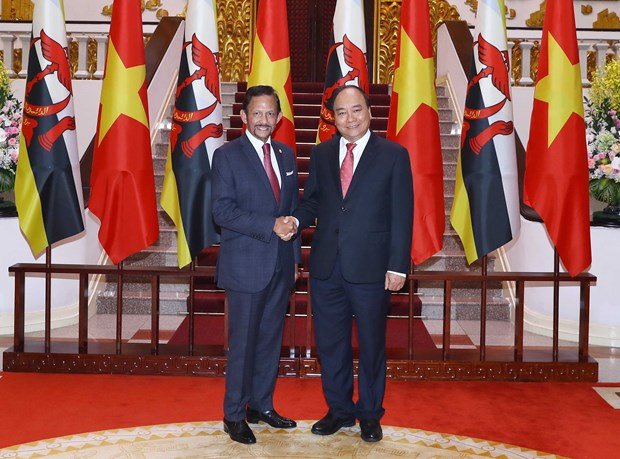 PM Phuc stresses significance of Vietnam-Brunei comprehensive partnership hinh anh 1