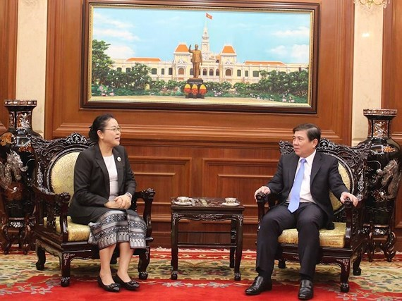 HCM City leader receives new Lao Consul General hinh anh 1