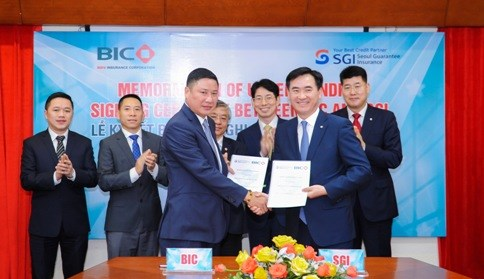 Vietnamese, RoK firms cooperate in guarantee insurance development hinh anh 1