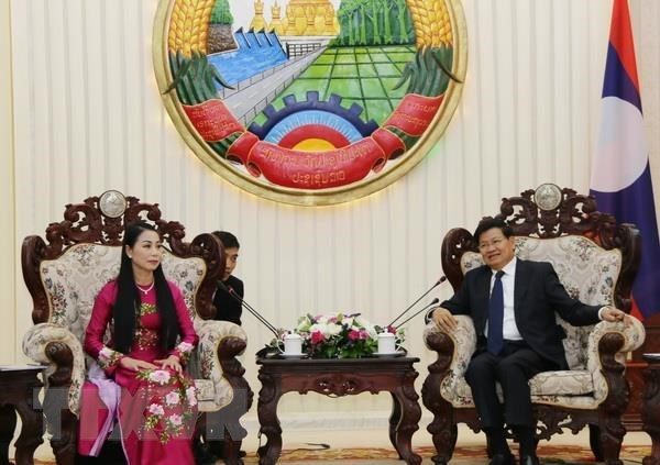 Lao PM lauds Vinh Phuc's support for northern Lao provinces hinh anh 1