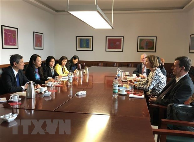 Vietnam seeks cooperation in women affairs with Germany hinh anh 1