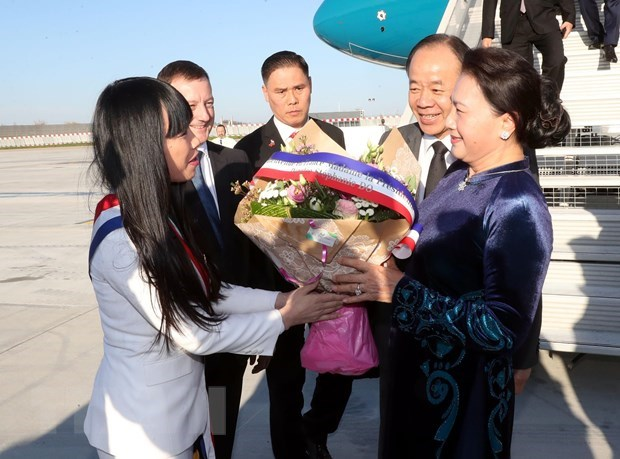 NA Chairwoman Nguyen Thi Kim Ngan begins official visit to France hinh anh 2