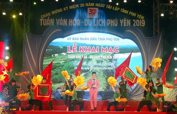Culture, tourism week invites visitors to Phu Yen province hinh anh 1