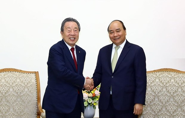 PM receives Japanese firm's chairman hinh anh 1
