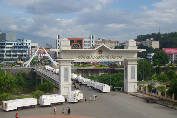 Export via Lao Cai int'l border gate remains stable hinh anh 1