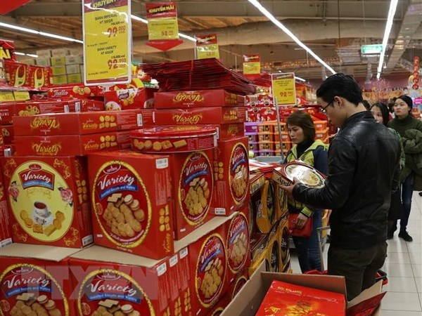 Retailers face fierce competition in Vietnamese market hinh anh 1