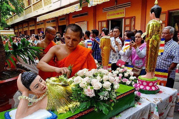 Prime Minister extends greetings on Khmer Chol Chnam Thmay festival hinh anh 1
