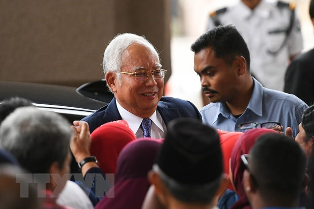 Malaysia opens first trial for former PM Najib Razak hinh anh 1