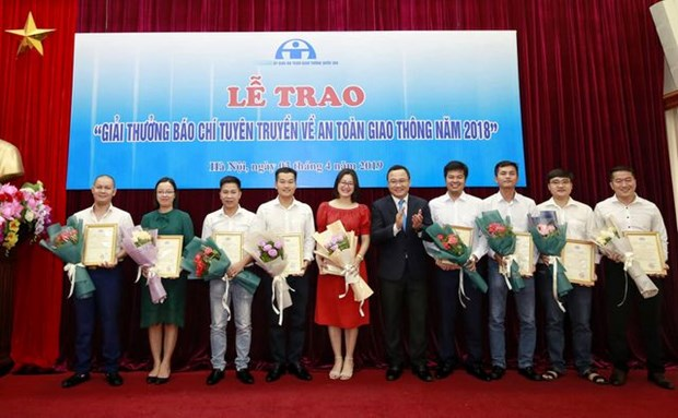 Winners of 2018 national press award on traffic safety named hinh anh 1